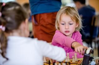 partai-szachowa-mlodych-szachistek