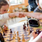 przywitanie-przed-partia-szachowa